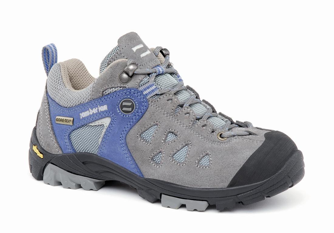 Ботинки 141 ZENITH GTX RR JRТреккинговые<br><br> Низкие детские ботинки. Верх из спилка и материала Cordura в сочетании с подкладкой GORE-TEX® обеспечивает этой модели износостойкость и регулировку микроклимата. Система шнуровки и боковая утяжка шнуровки позволяют надежно фиксировать пятку и опти...<br><br>Цвет: Голубой<br>Размер: 39
