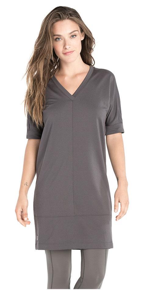 Платье LSW1510 IVANA DRESSПлатья<br>Платье с V-образным вырезом из мягкой эластичной ткани с добавлением шерсти. <br> <br> Особенности:<br><br>V-образный вырез<br><br>Рукав...<br><br>Цвет: Темно-серый<br>Размер: L