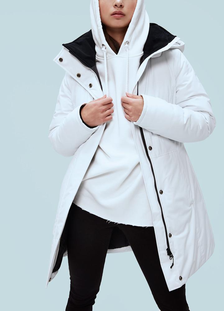 Куртка женская Envol 58 D Climashield CoyoteКуртки<br><br> Стильная женская городская куртка Kanuk Envol была произведена на фабрике Kanuk в Монреале. Куртка выполнена с применением износостойкого синтетического утеплителя Climashield Comfort, представляющий собой переплетение непрерывных коротких волокон,...<br><br>Цвет: Белый<br>Размер: S