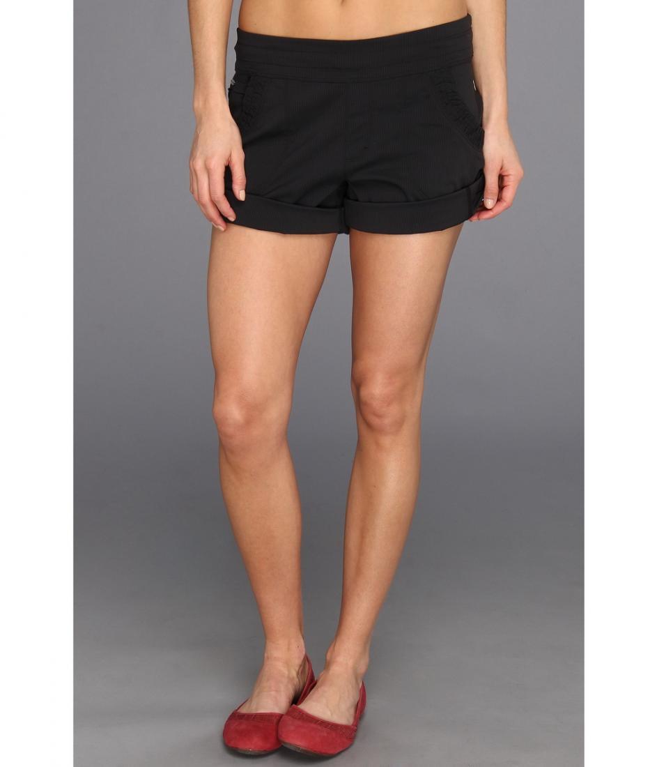 Шорты LSW0982 HARBOUR SHORTШорты, бриджи<br><br> Женские шорты Lole Harbour Short, выполненные из легкого эластичного материала, созданы для ярких и активных девушек. Благодаря подворачивающимся штанинам они легко могут превращаться из классического midi-варианта в молодежный mini.<br><br><br>&lt;/...<br><br>Цвет: Черный<br>Размер: XS