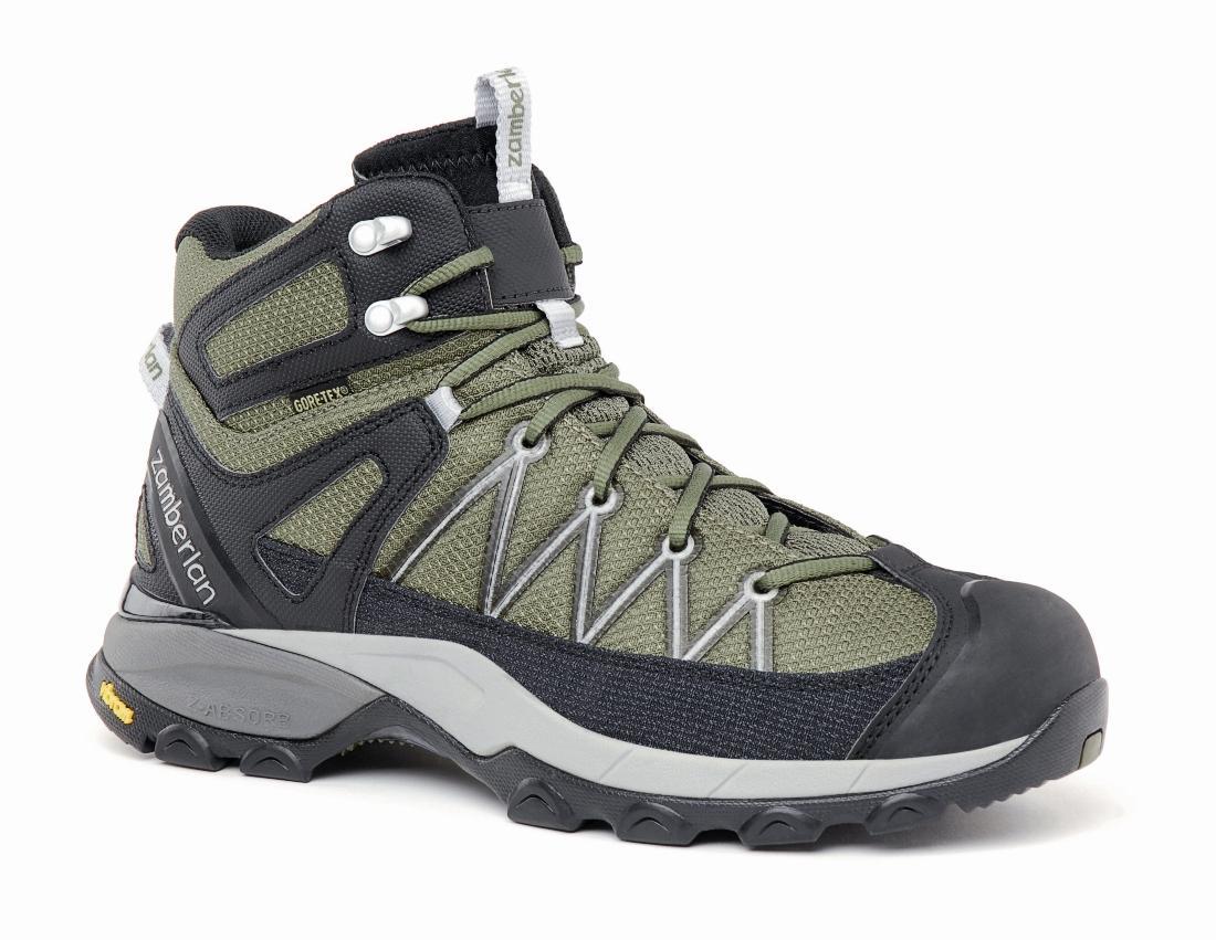 Ботинки 230 CROSSER PLUS GTX RRТреккинговые<br><br> Стильные удобные ботинки средней высоты дл легкого и уверенного движени по горным тропам. Комфортна посадка тих ботинок усовершенствована за счет ксклзивной внешней подошвы Zamberlan® Vibram® Speed Hiking Lite, мембраны GORE-TEX® и просторной...<br><br>Цвет: Светло-зеленый<br>Размер: 38