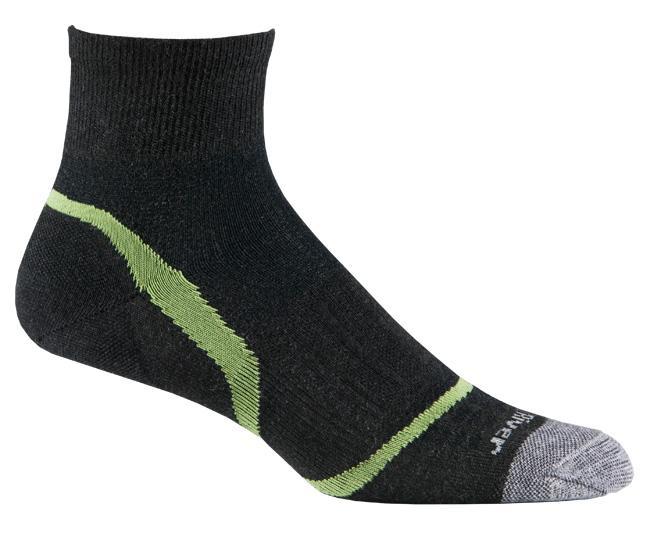 Носки атлет.1245 ULTRA LT VELOCITY QTR.Носки<br>Не важно, где вы бегаете — в помещение или по улице, по гладкой поверхности или по бездорожью, тонкие носки, окутывающие стопу, обеспечивают ощущение бега босиком.<br><br><br>Система URfit™<br>Специальные вентилируемые вставки эффективно...<br><br>Цвет: Черный<br>Размер: M