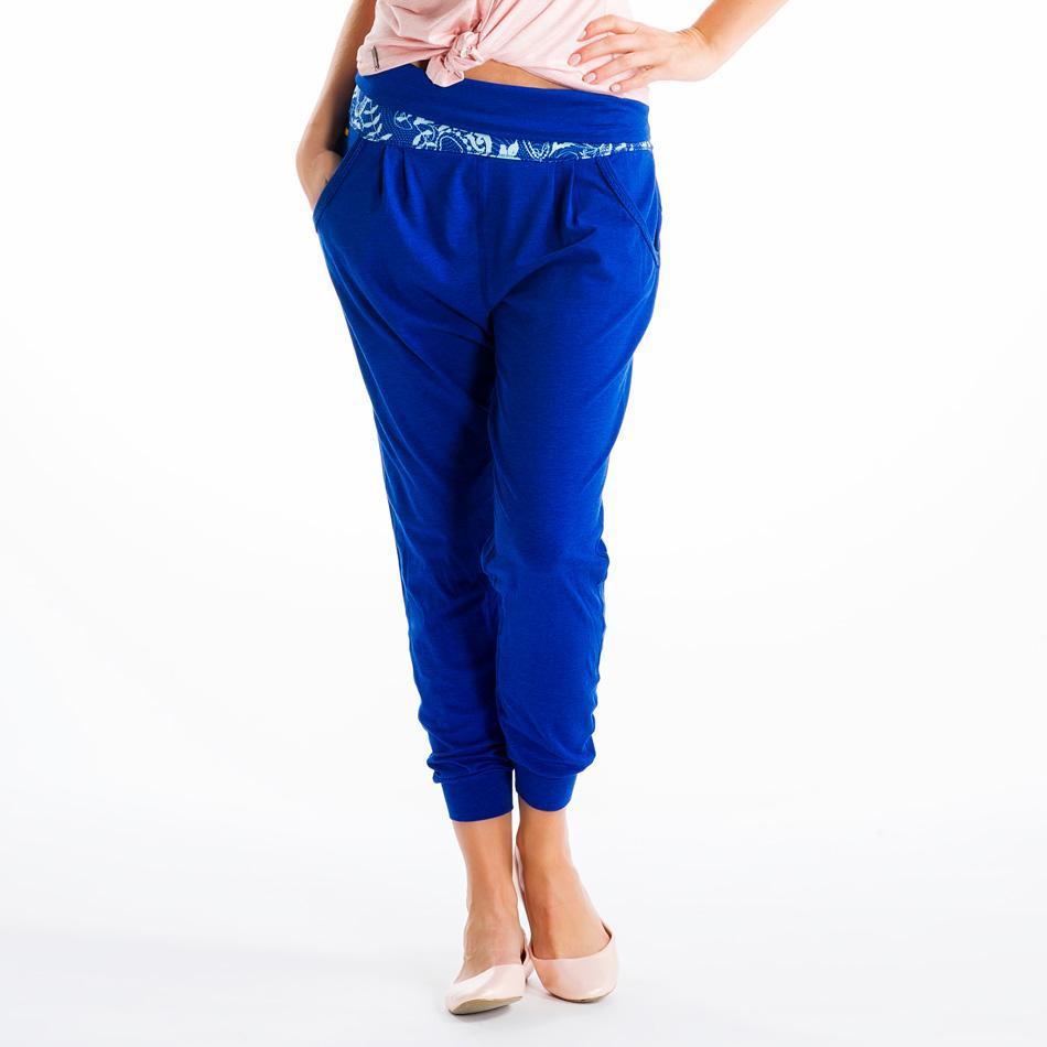 Брюки LSW0903 PADMASANA PANTSБрюки, штаны<br><br> Если бы все асаны были бы такими же легкими и непринужденными, как эти свободные брюки! Они открывают невероятную свободу движений благ...<br><br>Цвет: Синий<br>Размер: M