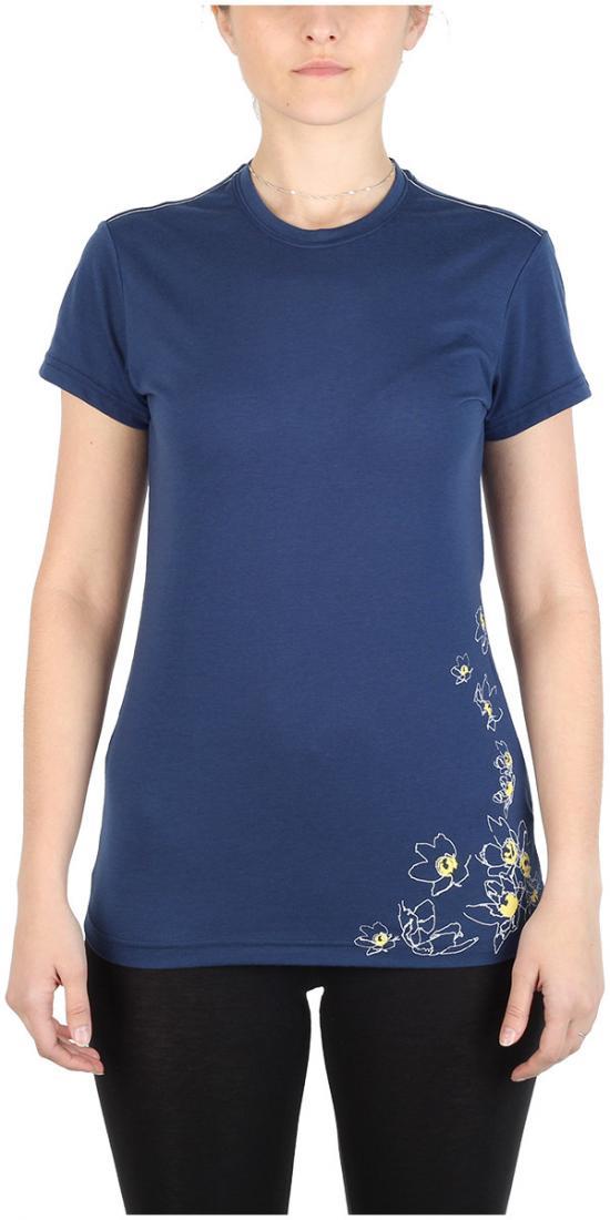 Футболка Victoria ЖенскаяФутболки, поло<br><br> Легкая и прочная футболка с оригинальным аутдор принтом , выполненная из ткани на 70% состоящей из полиэстера и на 30% из хлопка, что способствует большей износостойкости изделия. создает отличную терморегуляцию и оптимальный комфорт в повседневном...<br><br>Цвет: Синий<br>Размер: 44