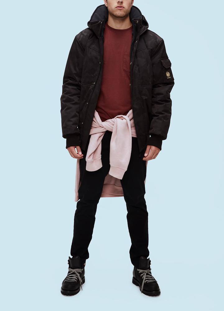 Куртка мужская Corbeau H ThinDown 58 C CoyoteКуртки<br><br> Мужская куртка Kanuk Corbeau – стильная короткая куртка из очень тонкого, но теплого пухового наполнителя Thindown. Thindown - новый инновационный материал, разработанный и произведенный в Италии. При изготовлении Thindown используется пуховый напо...<br><br>Цвет: Черный<br>Размер: M