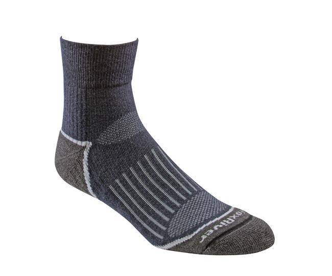 Носки турист.2457 TRAIL QTRНоски<br><br> Тонкие носки с идеальной посадкой. Благодаря уникальной системе переплетения волокон wick dry®, влага быстро испаряется с поверхности кожи, сохраняя ноги в комфорте.<br><br><br>Система URfit™<br>Специальные вентилируемые вставки эффе...<br><br>Цвет: Темно-синий<br>Размер: L