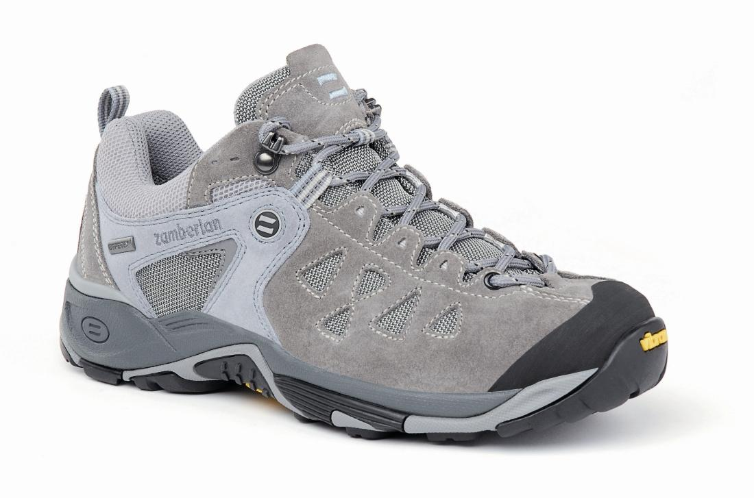 Кроссовки 145 ZENITH GT WNSТреккинговые<br><br> Трекинговые кроссовки, получившие награды за непревзойденную устойчивость и прочность. Специальная женская модель. Верх из спилока с сетчатыми вставками обеспечивает легкость и износостойкость. Система шнуровки до носка позволяет надежно фиксироват...<br><br>Цвет: Голубой<br>Размер: 36