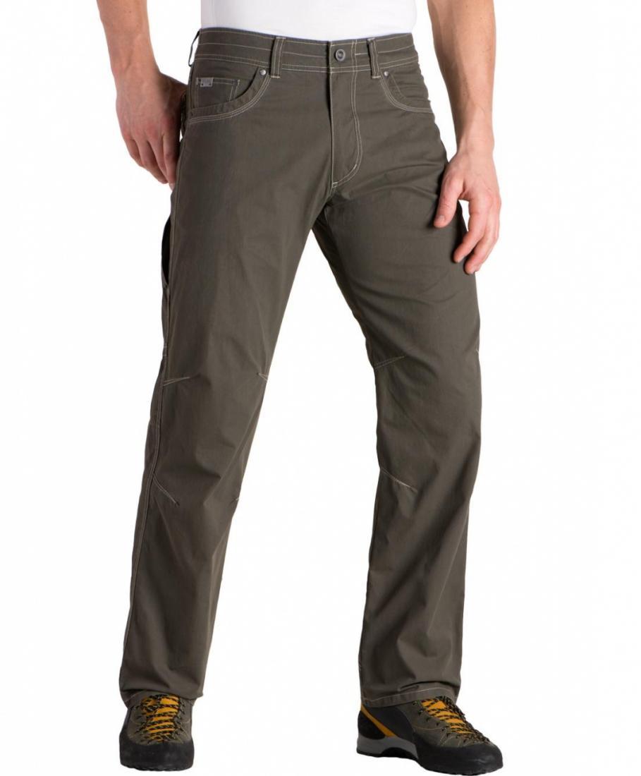 Брюки RevolvrБрюки, штаны<br>Легкие мужские брюки анатомического кроя. Материал прекрасно дышит благодаря хлопку и достаточно прочный благодаря нейлону.<br><br> <br><br>&lt;...<br><br>Цвет: Зеленый<br>Размер: 40-32