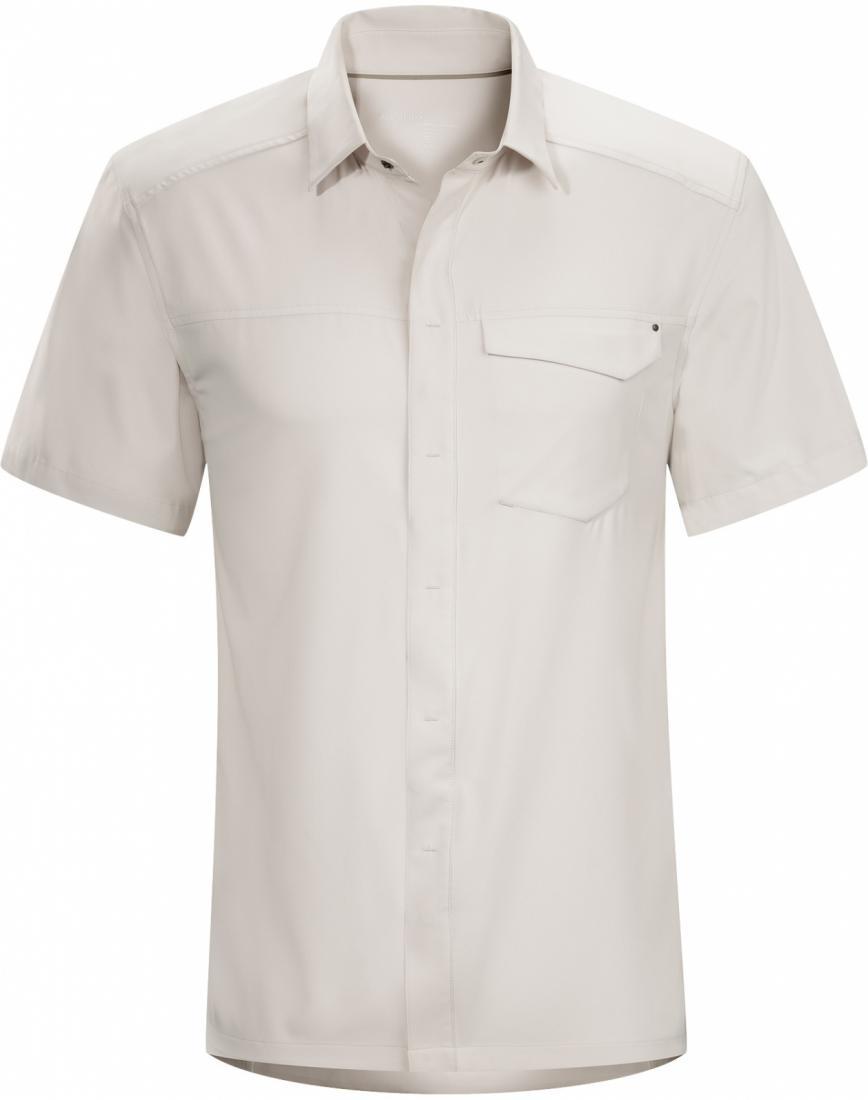 Рубашка Skyline SS муж.Рубашки<br><br> ДИЗАЙН: Рубашка с короткими рукавами из удобной тянущейся ткани.<br><br><br> НАЗНАЧЕНИЕ: Путешествия, каждодневная носка.<br><br><br> ПОКРОЙ: Зауженный крой Trim Fit<br><br><br> ХАРАКТЕРИСТИКИ:<br><br><br><br><br>Легкий, очень компа...<br><br>Цвет: Белый<br>Размер: S
