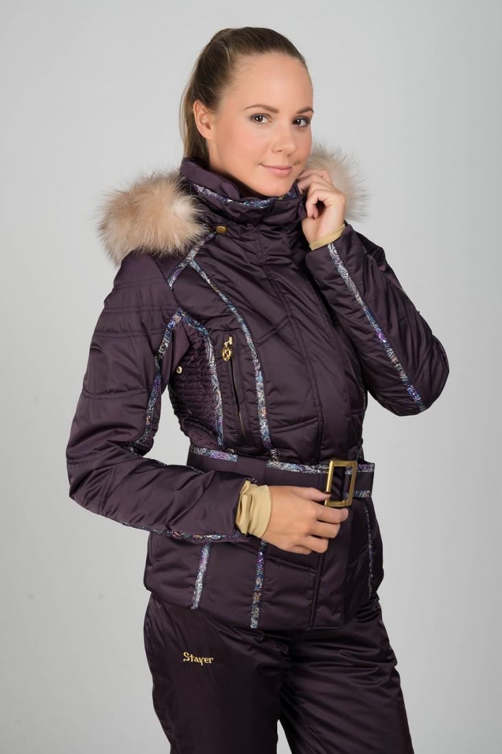 Куртка спортивная 425449Куртки<br>Одна из ключевых моделей линейки Baroque de Luxe – горнолыжная куртка на поясе с декоративной отделкой принтованной тесьмой и роскошной вышивкой на спине, инкрустированной стразами. Боковые вставки на модели, а также рукава частично выполнены по технологи...<br><br>Цвет: Фиолетовый<br>Размер: 46