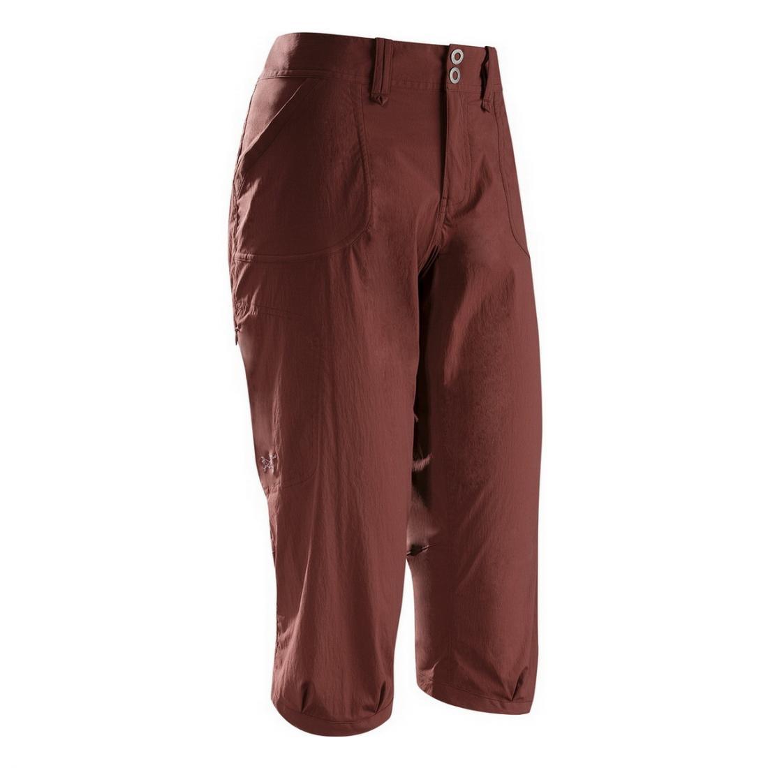 Брюки (3/4) Parapet Capri жен.Шорты, бриджи<br><br> Капри Arcteryx Parapet Capri свободного кроя созданы для активных женщин, которые ценят комфорт. Они оснащены удобным широким поясом и изготовлены из прочной, эластичной ткани, которая обеспечивает свободу движений. Также модель привлекает внимание...<br><br>Цвет: Бордовый<br>Размер: 6