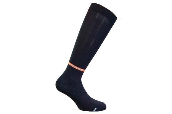 Носки Lizard  SHIELD HIНоски<br><br> Инновационные носки SHIELD водонепроницаемые и дышащие. Сохранят ноги сухими и теплыми даже в самых неблагоприятных условиях. Победитель OUTDOOR Industry Award 2010 является шедевром технологии. Уникальная технология производства тих носков делае...<br><br>Цвет: Черный<br>Размер: XL