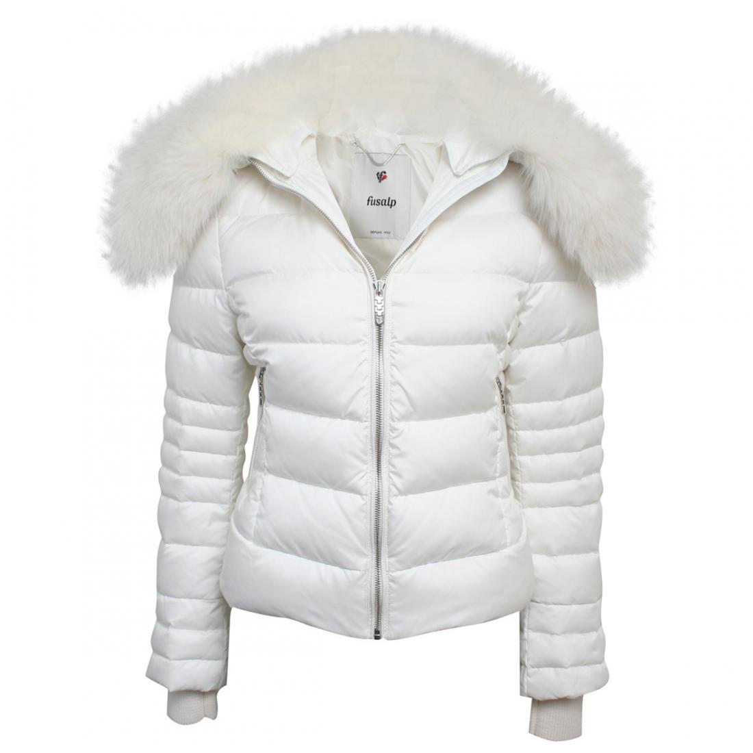 Куртка E1022 CHAMONIX жен.Куртки<br><br> Женский пуховик Chamonix – стильная зимняя модель с хорошей защитой шеи, поясницы и рук от мороза и пронизывающего ветра. Приталенный крой ...<br><br>Цвет: Белый<br>Размер: 38