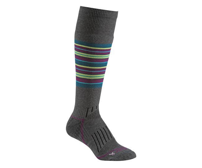 Носки сноуб.жен.5527 StrattonНоски<br><br>Прочные Eco волокна увеличивают износоустойчивость и гарантируют идеальную посадку. Благодаря уникальной системе переплетения волокон Wick Dry®, влага быстро испаряется с поверхности кожи, сохраняя ноги в комфорте. Специальные уплотнения обеспечиваю...<br><br>Цвет: Темно-серый<br>Размер: S