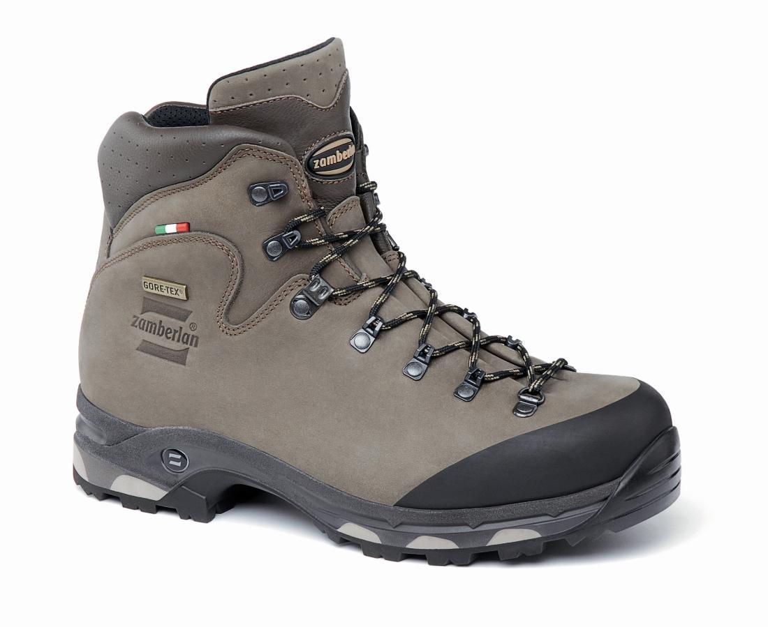 Ботинки 636 NEW BAFFIN GTX RRТреккинговые<br><br> Облегченные многофункциональные ботинки для туризма. Эксклюзивная цельнокроеная конструкция верха и увеличенное пространство для ступни благодаря широкой колодке. Резиновое усиление в области носка. больше пространства в области носка. Внешняя подо...<br><br>Цвет: Коричневый<br>Размер: 45