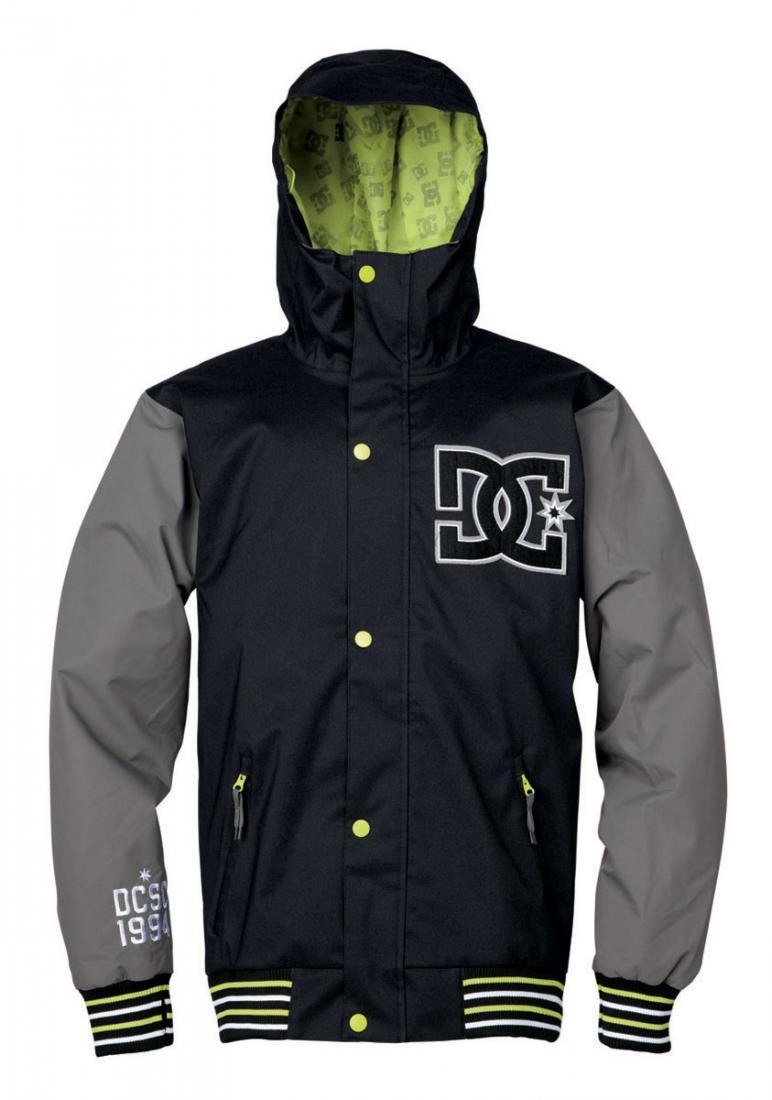 Куртка DCLA 14Куртки<br>Мужская куртка DCLA 14 – оптимальный выбор настоящих райдеров, которые не представляют себя без сноубординга. Она обеспечивает комфорт, защ...<br><br>Цвет: Черный<br>Размер: L
