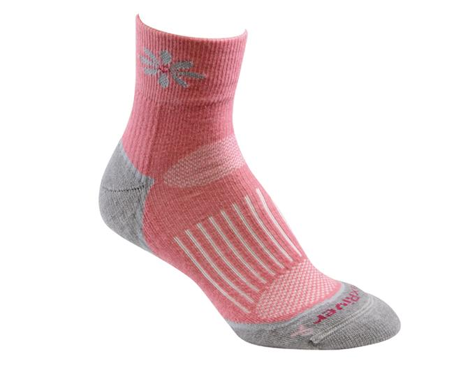 Носки турист.2557 STRIVE QTR жен.Носки<br>Эти тонкие носки из мериносовой шерсти обеспечивают комфорт и амортизацию во время любых путешествий. Носки созданы специально для женской стопы - с маленьким носком и узкой пяткой.<br><br><br>Система URfit™<br>Специальные вентилируемые ...<br><br>Цвет: Розовый<br>Размер: M