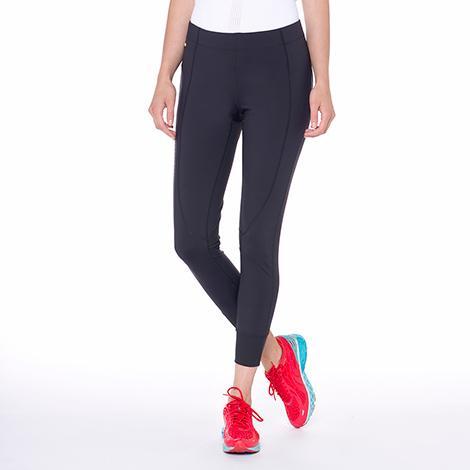 Брюки LSW1356 DASH PANTSБрюки, штаны<br><br><br><br> Dash Pants – это удобные спортивные брюки от легендарного бренда Lole, который создает отличную одежду для активных и уверенных в себе женщин. Облегающая модель LSW1356 имеет длину 7/...<br><br>Цвет: Черный<br>Размер: L