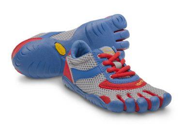 Мокасины FIVEFINGERS SPEED Kids для мальчиковVibram FiveFingers<br>Модель Speed основана на базе модели KSO. Благодаря традиционной шнуровкеэта модель подойдет детям с широкими стопами и высоким подъемом.<br> ...<br><br>Цвет: Голубой<br>Размер: 30