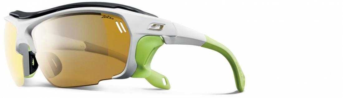 Очки Julbo  Trek 437Очки<br>Эти очки созданы для достижения лучших результатов в экстремальных условиях. Они необычайно лёгкие. Сочетание лучших достижений в области линз и сверхлёгких оправ. На очках есть специальные съёмные шторки, которые обеспечивают боковую защиту от ультрафиол...<br><br>Цвет: Голубой<br>Размер: None