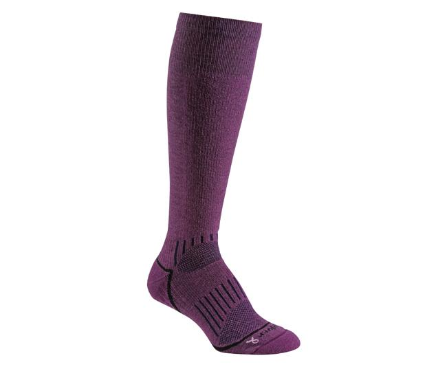 Носки лыжные жен.5511 WHISTLERНоски<br><br> Мягкая мериносовая шерсть в сочетание с акрилом обеспечивают комфорт и обволакивают ногу. Эксклюзивная технология wick dry® отводит влагу, а уплотнения амортизируют удары и утепляют. Прекрасно подходят для катания на склонах.<br><br><br>Сист...<br><br>Цвет: Фиолетовый<br>Размер: L