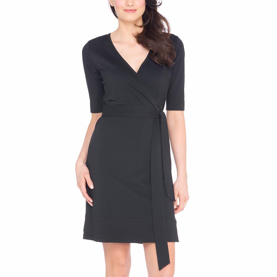 Платье LSW1277 BLAKE DRESSПлатья<br><br>Приталенный силуэт. <br>Материал: хлопок, полиэстер. <br>Длина – 99 см. <br>V-образный вырез.<br><br><br>Цвет: Черный<br>Размер: L