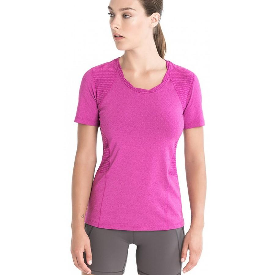 Топ LSW1465 DRIVE TOPФутболки, поло<br><br> Мягкая перфорированная фактура футболки Drive заставит Вас влюбиться в спорт, будь то утренняя пробежка в парке, прогулка на велосипеде или теннисный сет. Функциональные свойства эксклюзивной ткани 2nd skin Pop обеспечивают исключительный дышащие с...<br><br>Цвет: Розовый<br>Размер: M