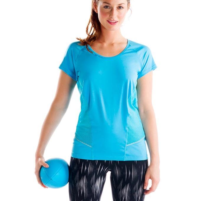 Топ LSW0920 MARATHON TOPФутболки, поло<br><br> Женская футболка Marathon Top LSW0920 от бренда Lole оснащена эластичными сетчатыми вставками по бокам и на спине, которые обеспечивают необходимую вентиляцию во время занятий спортом. Она также имеет женственный дизайн, приятные расцветки и анатом...<br><br>Цвет: Бирюзовый<br>Размер: S