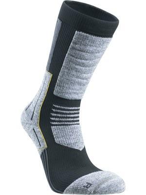 Носки Mountain PlusНоски<br>ОБЛАСТЬ ПРИМЕНЕНИЯ:<br><br>Спорт<br>Туризм<br><br> <br> БРЕНД: <br> <br> Компания Seger основана в Швеции в 1947 г. Изначальный ассортимент - носки, футбольные носки, гольфы и гетры. В 1963 г. открылась швейная ф...<br><br>Цвет: Черный<br>Размер: 40-42
