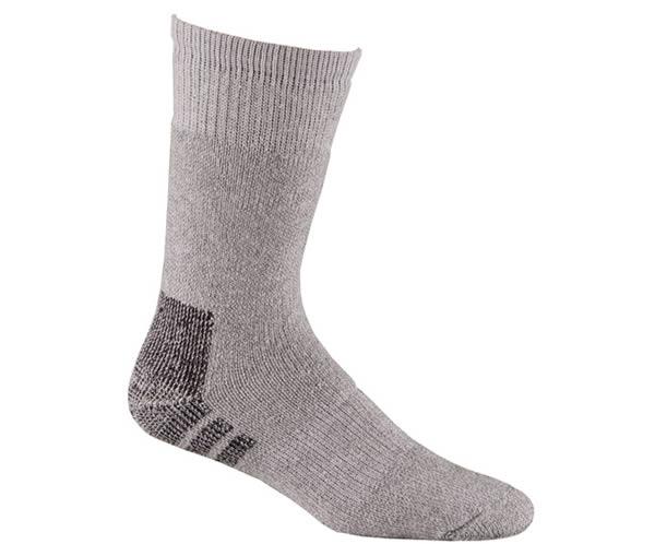 Носки охота-рыбалка 7154 PolarНоски<br><br> Толстые шерстяные носки защитят Ваши ноги от холода. Анатомический дизайн обеспечивает комфорт при занятиях различными зимними видами спорта и отдыха.<br><br><br>Специальная конструкция вязки Memory-Knit позволяют носку более плотно облегать...<br><br>Цвет: Бежевый<br>Размер: L
