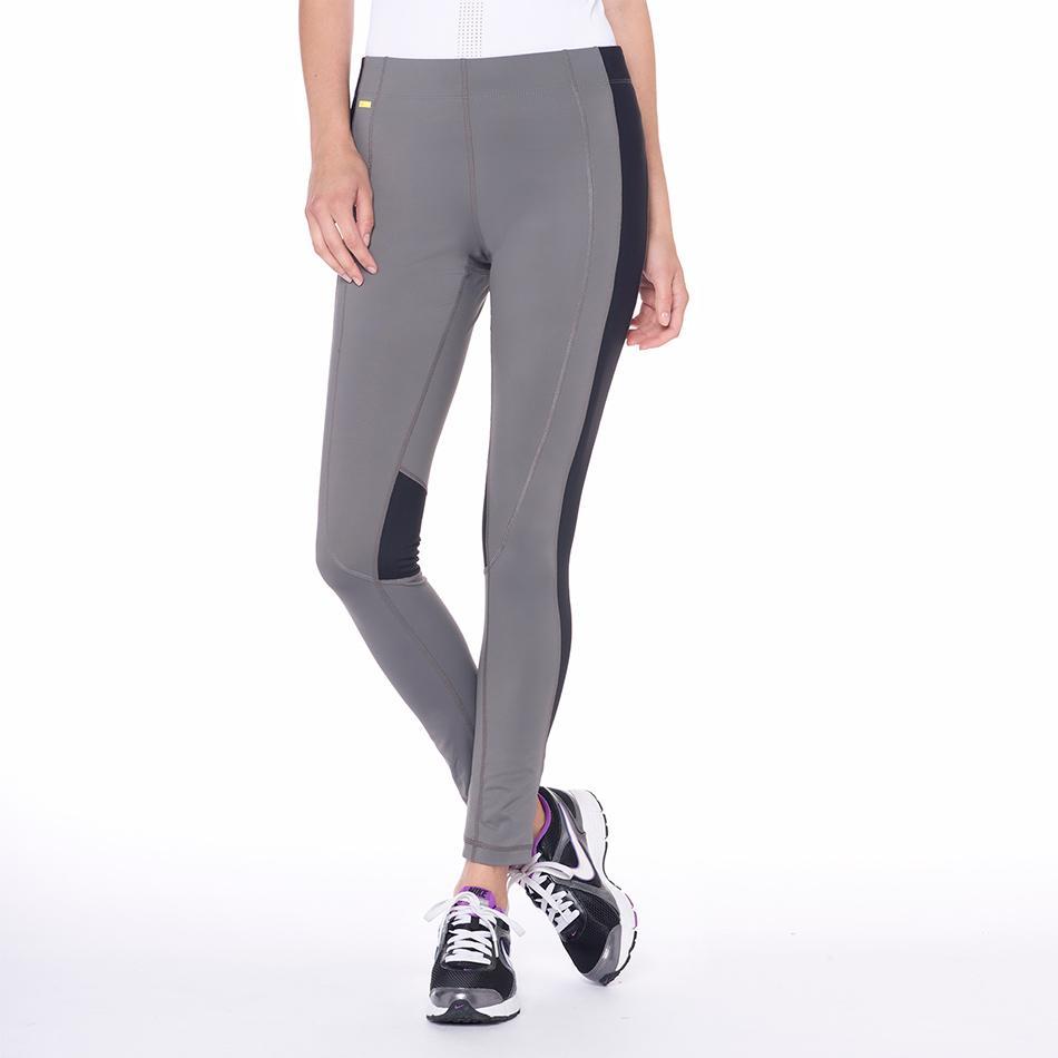 Брюки LSW1358 VELOCITY PANTSБрюки, штаны<br><br><br><br> Женские брюки Velocity Pants созданы специально для занятий фитнесом и бегом. Они, словно вторая кожа, плотно облегают ваши ноги, согревают и обеспечивают дополнительную поддержку мыш...<br><br>Цвет: Серый<br>Размер: S