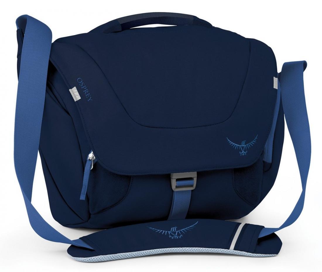 Сумка Flap Jill MiniСумки<br>Стильная и удобная женская сумка через плечо Flap Jill Mini имеет несколько функциональных особенностей, способных облегчить «жизнь на ходу». Идеальна для недолгих поездок по магазинам. Откидной клапан с пряжкой и застежкой Velcro обеспечивает быстрый ...<br><br>Цвет: Темно-синий<br>Размер: 9 л