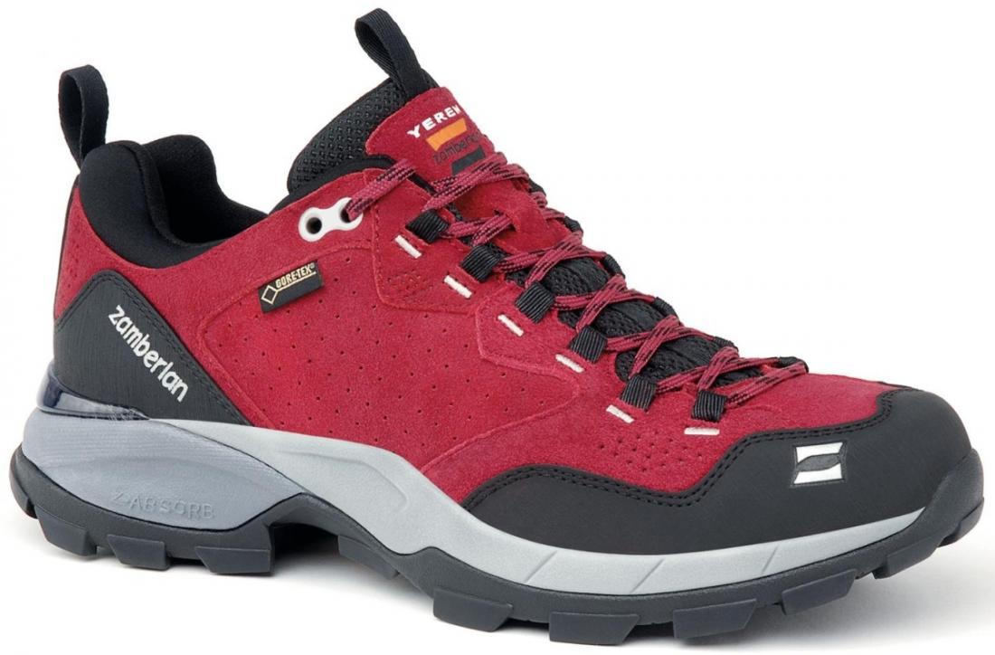 Кроссовки 152 YEREN LOW GTX RR WNSТреккинговые<br>Удобная колодка этих треккинговых ботинок отлично подходит для быстрой ходьбы. Верх из замши с обработкой Hydrobloc®для лучшей водонепроницаемости. Защитное резиновое укрепление на носке и пятке. TPU стабилизатор в области пятки. Вставка EVA высокой пл...<br><br>Цвет: Бордовый<br>Размер: 39.5