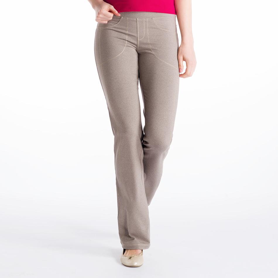 Брюки LSW1044 JET PANTSБрюки, штаны<br><br> Эти брюки напоминают леггинсы с деталями, позаимствованными у классических джинсов. Удобнейшая посадка и полная свобода движений вместе с материалом 2d Skin Motion Heather, из которого они выполнены. Сочетание переработанного пластика и эластана пр...<br><br>Цвет: Бежевый<br>Размер: S