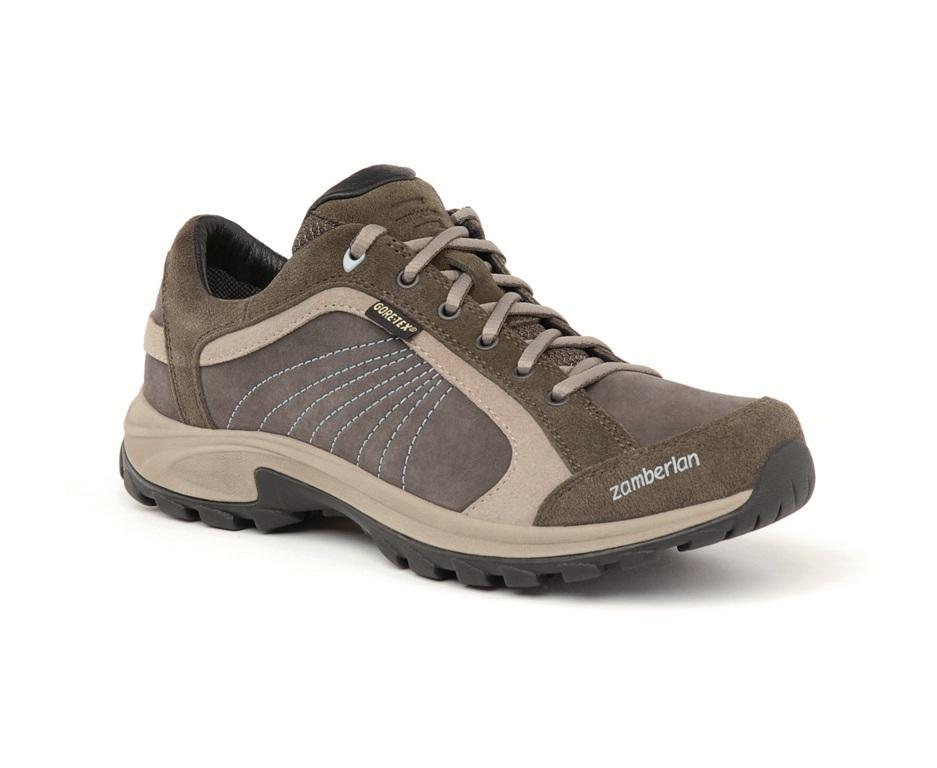 Ботинки 246 ARCH GTX WNS СерыйТреккинговые<br>Ботинки Arch сразу станут лучшими друзьями ваших походов независимо от того, где Вы путешествуете пешком. Удобные и красивые, Arch будут каждый день становиться Вашим фаворитом уличной обуви. Эти легкие супер-удобные прогулочные ботинки при этом серьезно подготовлены: эксклюзивная подошва Zamberlan Vibram Trail Mate, мембрана GORE-TEX® и широкий удобный носок. Комфортные, сделанные из шикарной красивой кожи, легкие и высокотехнологичные ботинки Arch будут с вами каждый день.<br> <br> Особенности:<br><br>Верх:Нубук Hydrobloc®<br>Подкладка:GORE-TEX® Extended Comfort<br>Подошва:ZamberlanVibram® Trail Mate<br>Размер:Euro 36-43<br>Вес:380 г (размер 39)<br>Колодка:ZTRL generous ft + Ladies' Fit<br><br> <br><br> Для сохранения первозданного вида и изначальных уникальных свойств модели рекомендуем использовать соответствующее средство от брендаNikwax.<br><br>Цвет: Серый<br>Размер: 38