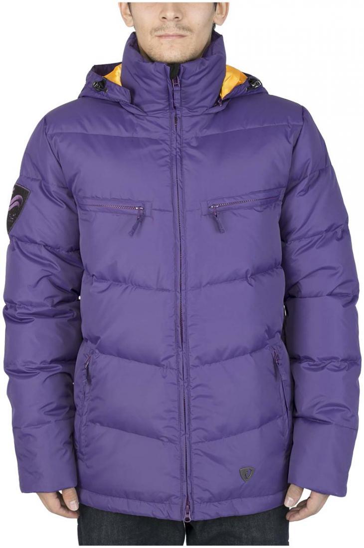 Куртка пуховая PythonКуртки<br><br> Отличительная черта этой куртки – минимализм. Ничего лишнего и нефункционального в ней нет. Но есть комфортная посадка Mid-fit, широкий ворот для защиты лица от ветра и снежная юбка, позволяющая трансформацию из городского пуховика в катальный.<br>&lt;/...<br><br>Цвет: Фиолетовый<br>Размер: 54