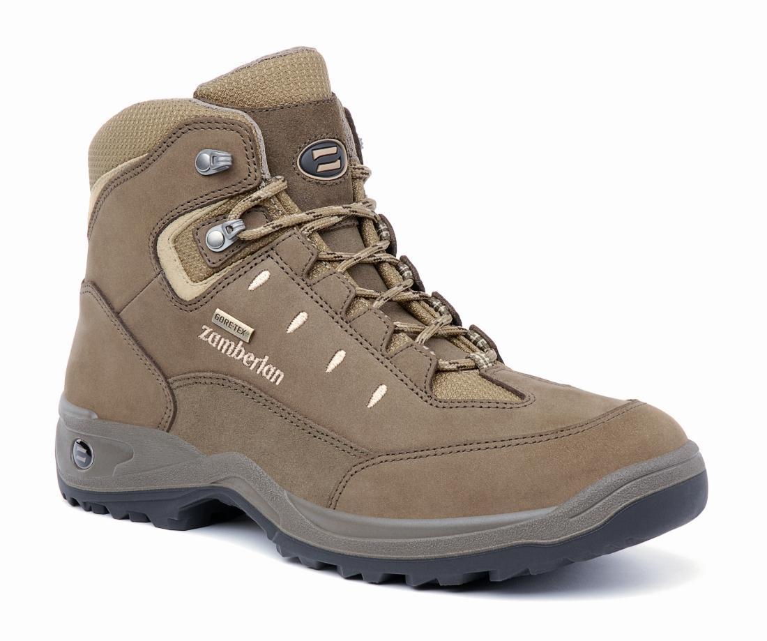 Ботинки 210 OAK GTТреккинговые<br><br> Чрезвычайно комфортные ботинки средней высоты. Оптимальное сочетание сцепления и устойчивости на легких ландшафтах. Верх из нубука с защищенной системой шнуровки. Мембрана GORE-TEX® Performance Confort. Дополнительную амортизацию обеспечивает подош...<br><br>Цвет: Коричневый<br>Размер: 43