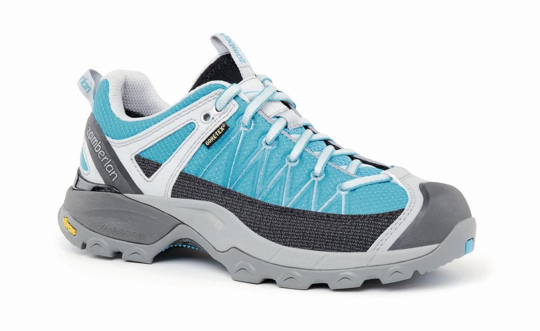 Кроссовки 130 SH CROSSER GT RR WNSТреккинговые<br> Стильные удобные ботинки средней высоты для легкого и уверенного движения по горным тропам. Комфортная посадка этих ботинок усовершенствована за счет эксклюзивной внешней подошвы Zamberlan® Vibram® Speed Hiking Lite, мембраны GORE-TEX® и просторной но...<br><br>Цвет: Голубой<br>Размер: 39.5