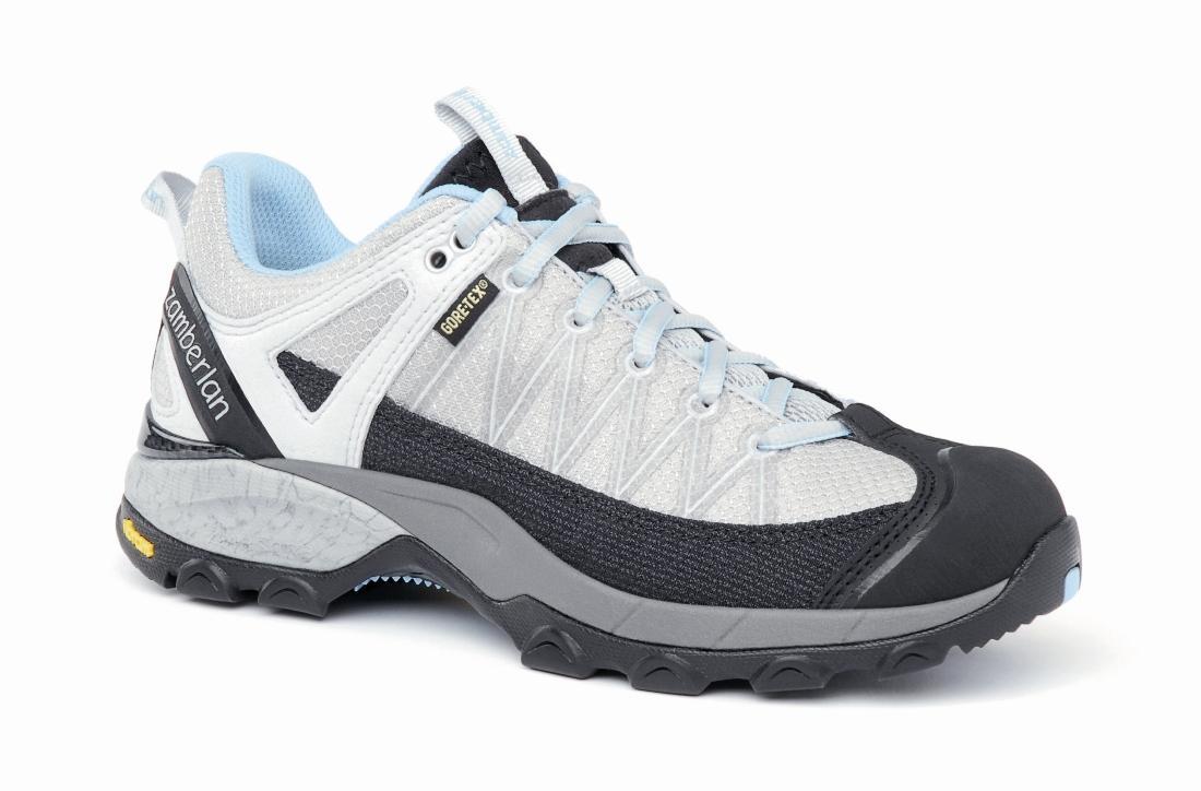 Кроссовки 130 SH CROSSER GT RR WNSТреккинговые<br> Стильные удобные ботинки средней высоты для легкого и уверенного движения по горным тропам. Комфортная посадка этих ботинок усовершенствована за счет эксклюзивной внешней подошвы Zamberlan® Vibram® Speed Hiking Lite, мембраны GORE-TEX® и просторной но...<br><br>Цвет: Белый<br>Размер: 38.5