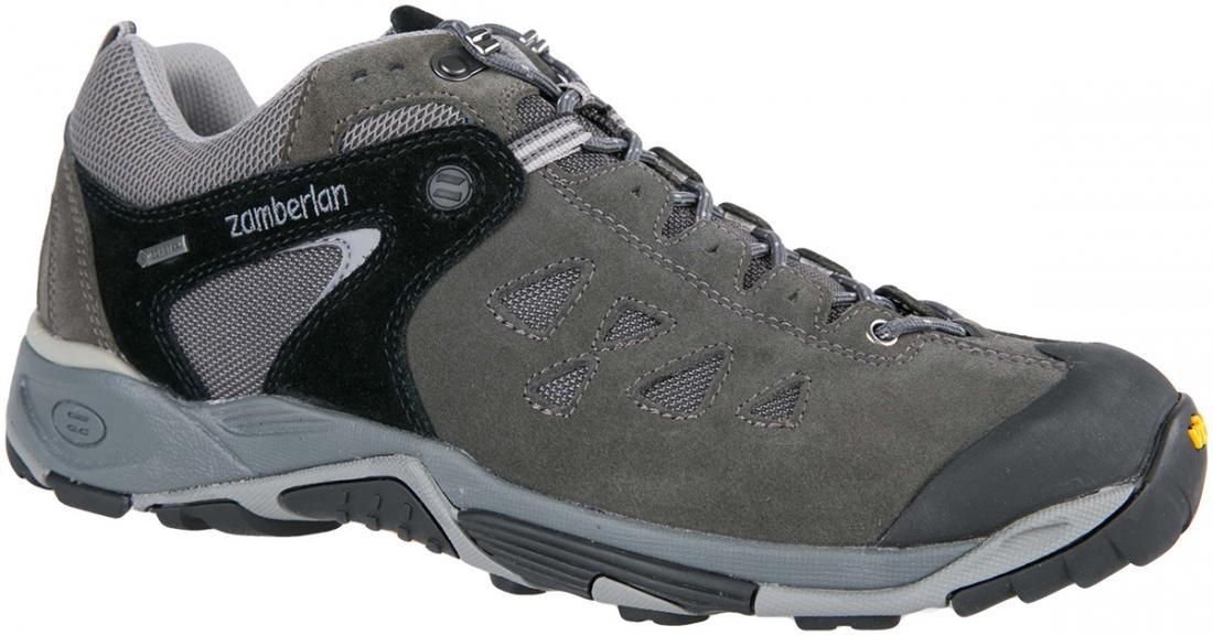 Кроссовки 145 ZENITH GTХайкинговые<br><br> Трекинговые кроссовки, получившие награды за непревзойденную устойчивость и прочность. Верх из спилока с сетчатыми вставками обеспечивает легкость и износостойкость. Система шнуровки до носка позволяет надежно фиксировать пятку и обеспечить точную ...<br><br>Цвет: Черный<br>Размер: 45.5