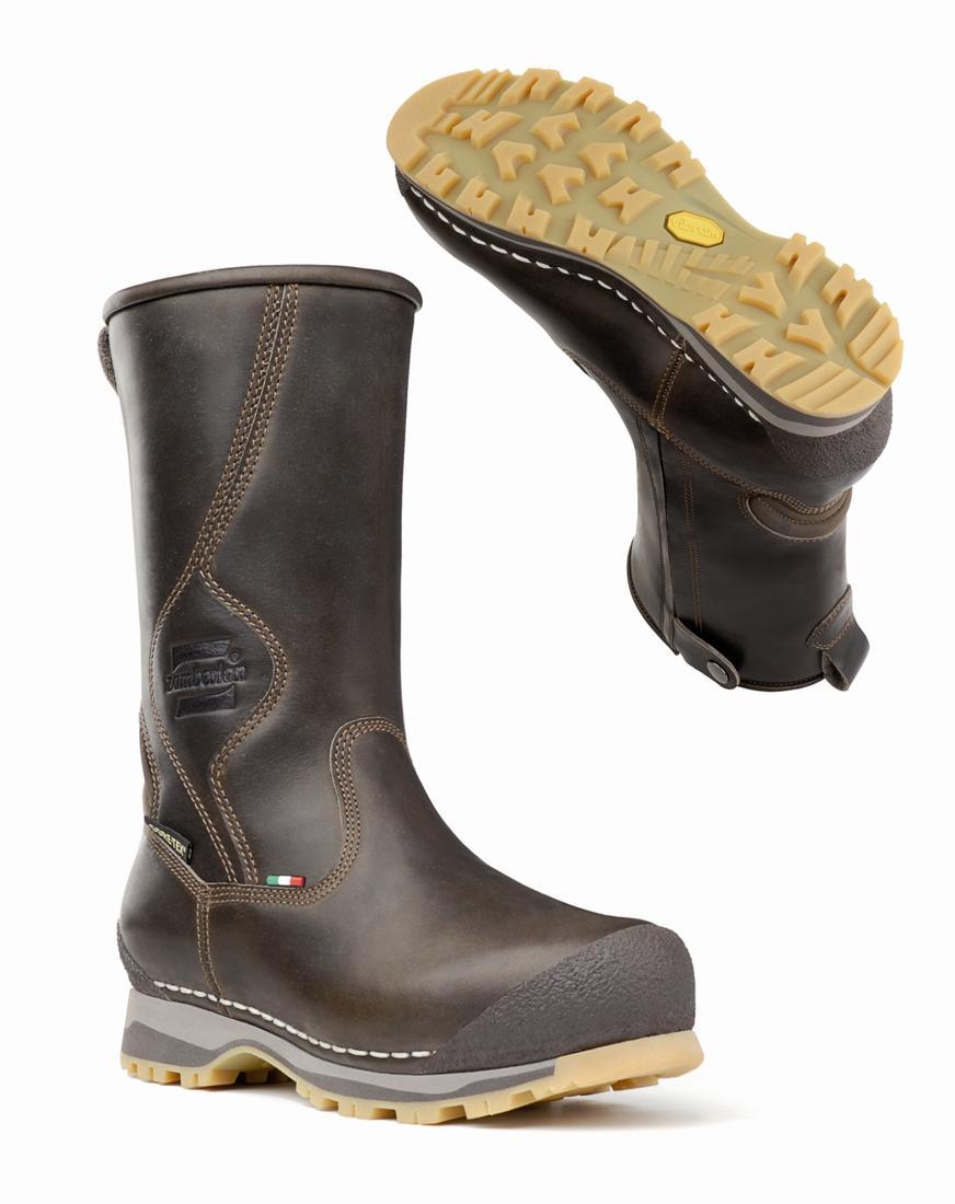 Ботинки 1019 DAVOS ZW GT RRТреккинговые<br>Впечатляющая по надежности зимняя обувь соединяет в себе традиционную конструкцию, выполненную компанией Zamberlan®, с инновационными деталями и высоко технологичными материалами. Они все изготовлены вручную в Италии самыми опытными и искусными людьми ...<br><br>Цвет: Коричневый<br>Размер: 41