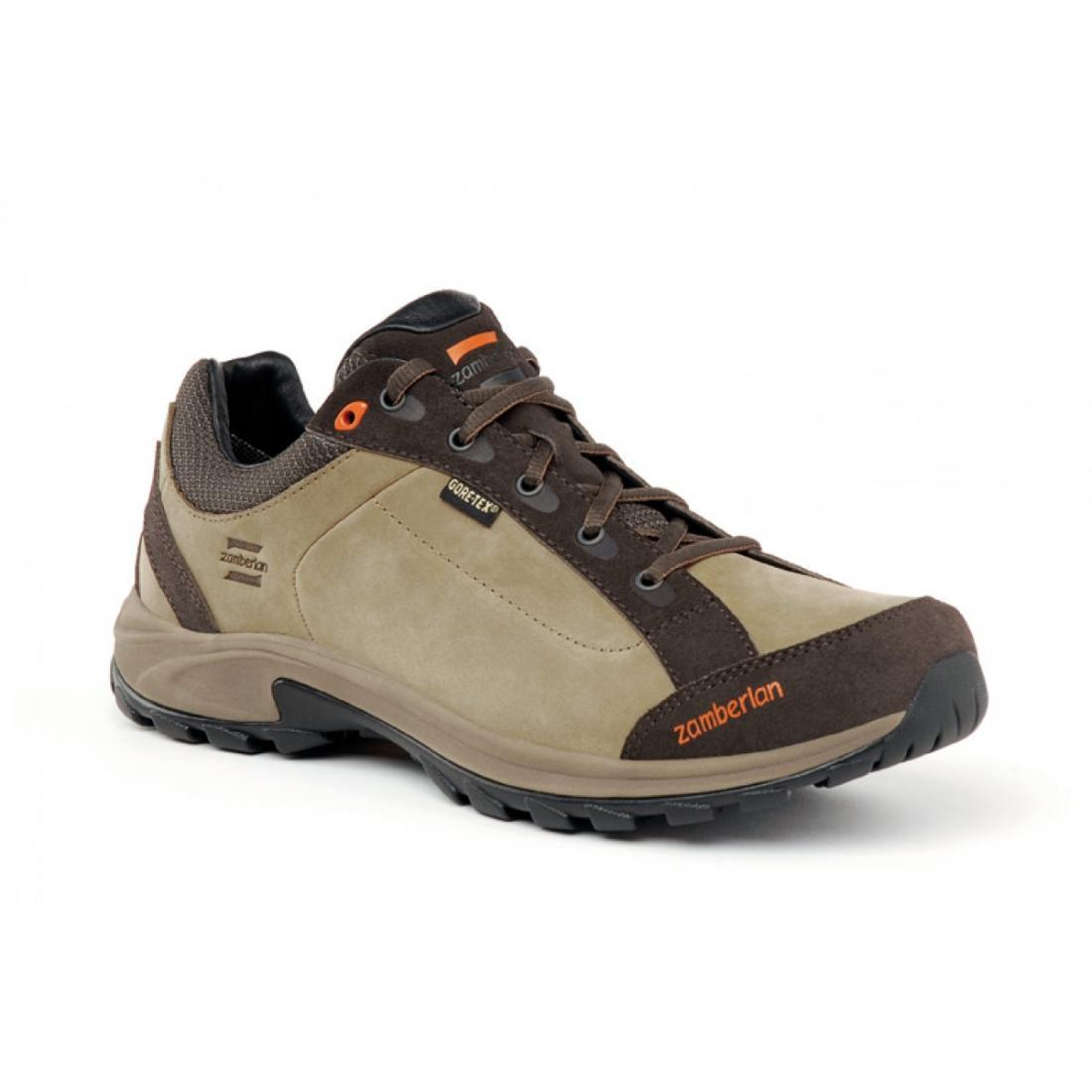 Ботинки 241 VISTA GTXТреккинговые<br>Очень комфортные стильные низкие трекинговые ботинки Vista. Идеально подходят для длительных прогулок, повседневного использования и активного отдыха. Ботинки Vista не только легкие, но надежные и прочные. Удобная посадка, эксклюзивная подошва Zamberlan V...<br><br>Цвет: Коричневый<br>Размер: 44