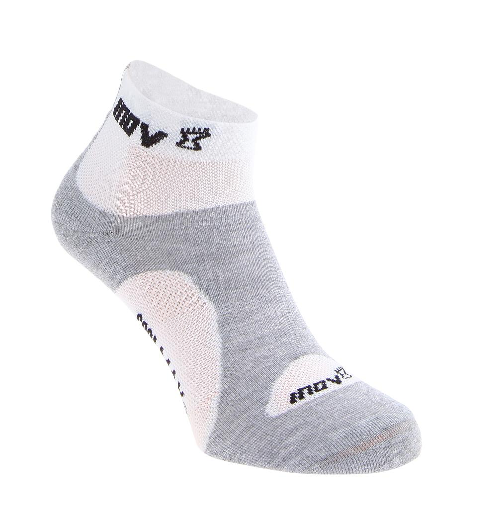 Носки Racesoc midНоски<br>Во время занятий бегом важна не только правильная обувь, но и качественные носки, такие как INOV8 Racesoc mid. Они изготовлены из очень тонкой и легкой ткани и отлично «дышат», что гарантирует максимальный комфорт. Подкладки на подошве увеличивают устойчи...<br><br>Цвет: Серый<br>Размер: L