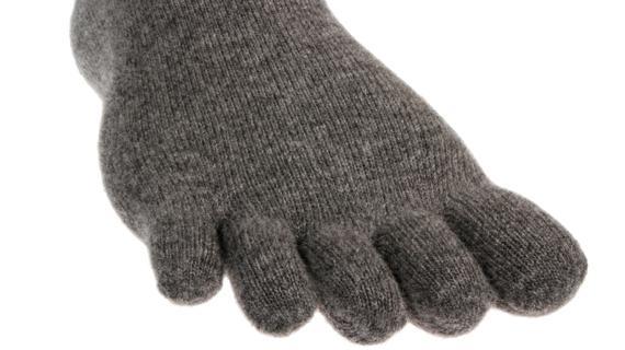 Носки Lizard  X-TOES ORIGINAL LowНоски<br><br> Носки X-TOЕS позволяют ступне и каждому пальцу свободно двигаться, улучшают биохимический ритм, увеличивают эффективность работы задейс...<br><br>Цвет: Серый<br>Размер: M