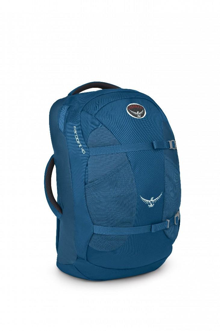 Сумка Farpoint 40Рюкзаки<br><br>Farpoint 40 – самый легкий рюкзак Osprey для путешествий, разработанный в соответствие стандартам ЕС по максимально возможному размеру ручной клади. Благодаря съемной подвеске на молнии, с сеткой для вентиляции, Farpoint 40 можно использовать как кла...<br><br>Цвет: Синий<br>Размер: 40 л