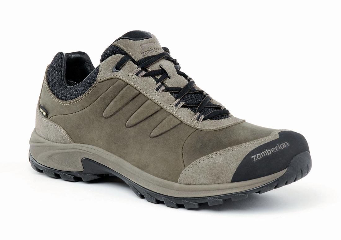 Ботинки 240 RIDGE GTX RRТреккинговые<br><br> Создающие легкость и комфорт везде, куда Вы идете, ботинки Ridge идеально подходят для самых разных видов outdoor активности: пешего туризма, ...<br><br>Цвет: Коричневый<br>Размер: 43