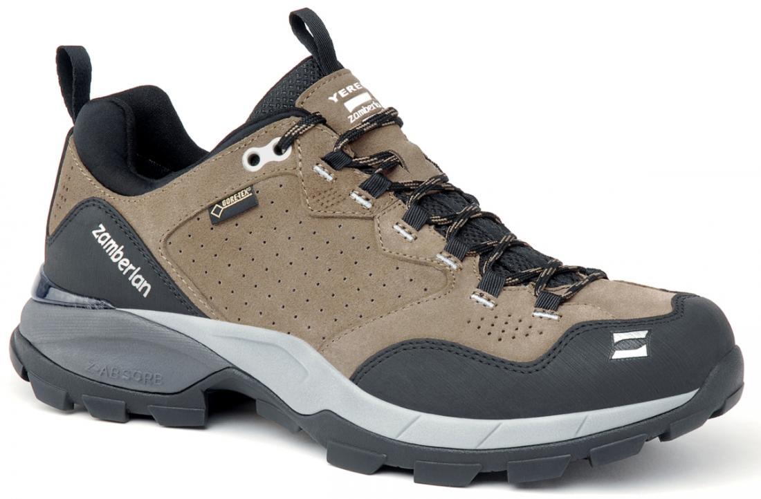 Кроссовки 152 YEREN LOW GTX RRТреккинговые<br>Удобная колодка этих треккинговых ботинок отлично подходит для быстрой ходьбы. Верх из замши с обработкой Hydrobloc®для лучшей водонепроницаемости. Защитное резиновое укрепление на носке и пятке. TPU стабилизатор в области пятки. Вставка EVA высокой пл...<br><br>Цвет: Бежевый<br>Размер: 42.5