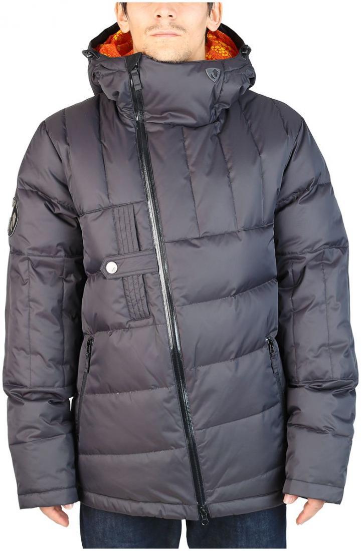 Куртка пуховая DischargeКуртки<br><br>Оригинальный мужской пуховик для тех, кто любит выделяться. Все детали в куртке Discharge сконструированы так, что внимание окружающих естественным образом направлено на неё. Косая молния, нагрудный карман с интересной застежкой, ассиметричная прост...<br><br>Цвет: Черный<br>Размер: 56