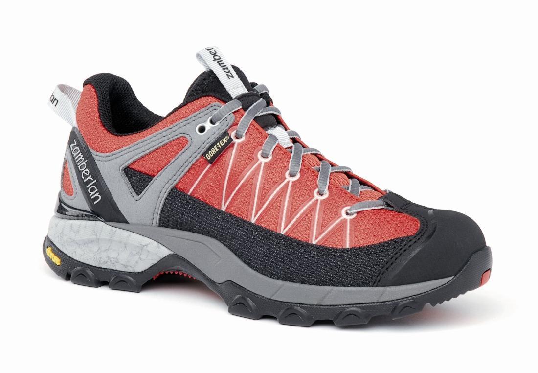 Кроссовки 130 SH CROSSER GT RR WNSТреккинговые<br> Стильные удобные ботинки средней высоты для легкого и уверенного движения по горным тропам. Комфортная посадка этих ботинок усовершенствована за счет эксклюзивной внешней подошвы Zamberlan® Vibram® Speed Hiking Lite, мембраны GORE-TEX® и просторной но...<br><br>Цвет: Красный<br>Размер: 40