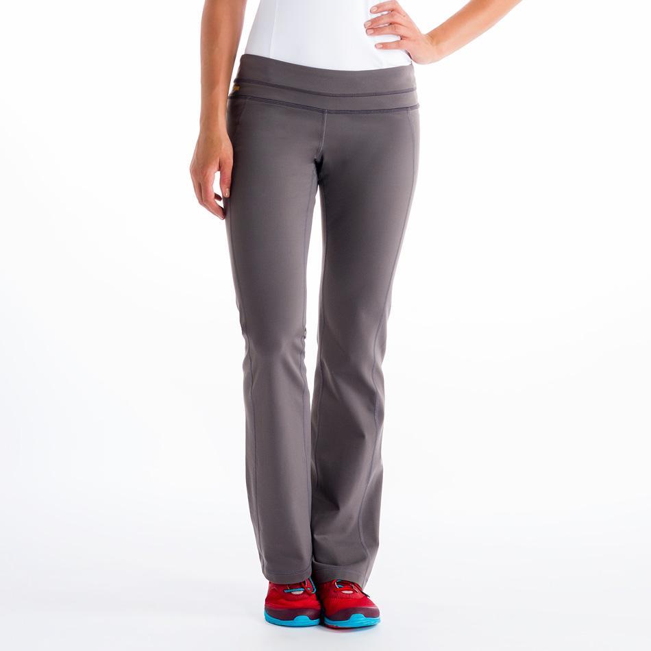 Брюки LSW0924 MOTION 32 PANTSБрюки, штаны<br><br> Мягкие брюки, напоминающие хлопок на ощупь, составят прекрасный ансамбль не только со спортивной олимпийкой, но и замечательно впишутс...<br><br>Цвет: Серый<br>Размер: S